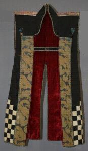 黒呉呂地石畳模様剣片喰紋陣羽織